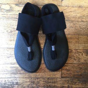 EUC Sanuk Yoga Slide Sandals